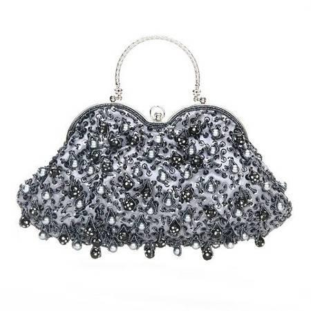 伊法兰妮纯手工心型浅灰色珠绣晚宴包B001677
