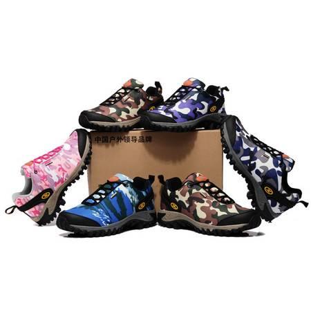 新款迷彩情侣低帮登山徒步透气户外男女鞋