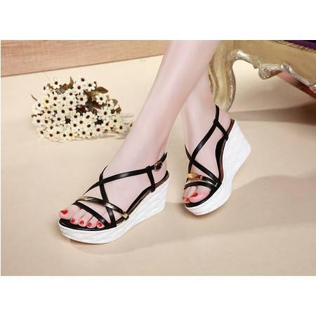 金属装饰绑带女鞋露趾坡跟休闲鞋防水台凉鞋