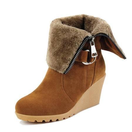 古奇天伦 秋冬新款女靴子时尚女鞋英伦短筒靴尖头双面西施绒坡跟黑色纯色防滑骑士靴短绒毛单靴