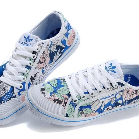 Adidas阿迪达斯三叶草女子低帮织物女鞋运动鞋休闲鞋板鞋