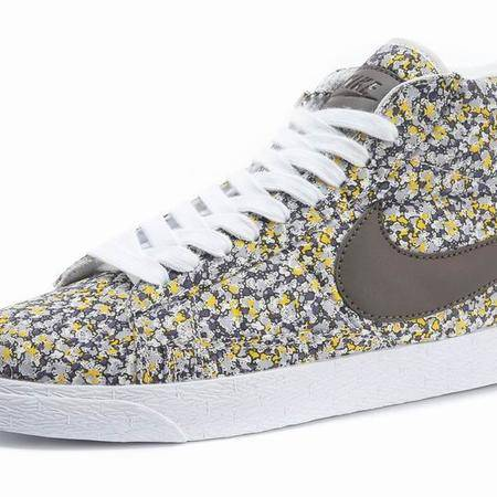 Nike耐克潮流新品开拓者高帮最新秋季校园风碎花女鞋板鞋488291