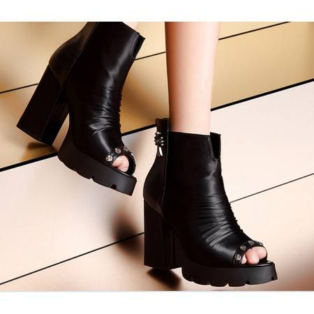 moolecole/莫蕾蔻蕾鱼嘴铆钉十字架粗跟鞋时尚女鞋包邮