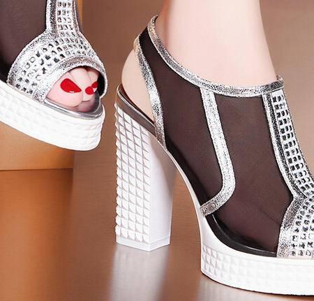 莫蕾蔻蕾 夏季新款水钻高跟鞋粗跟女鞋性感鱼嘴女凉鞋