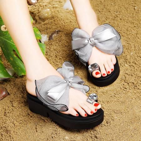 莱卡金顿夏季新款水钻夹趾女凉拖松糕厚底女鞋蝴蝶结网纱拖鞋女鞋