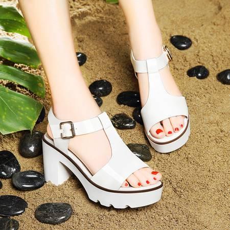 莱卡金顿夏季新款镜面漆皮女凉鞋搭扣粗跟防水台休闲鞋厚底鞋方跟女鞋