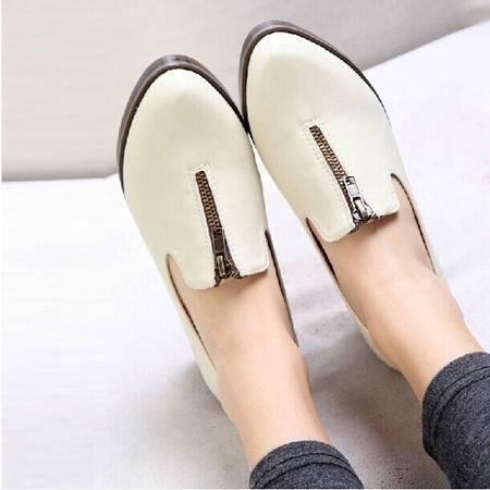 秋季新款英伦女鞋中跟尖头粗跟单鞋高跟女士小白小皮鞋女秋鞋TSH073