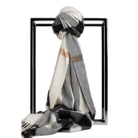 Burberry Half Mega 羊绒围巾