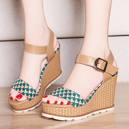 盾狐新款夏季学生女鞋一字扣舒适休闲女坡跟高跟鞋防水台露趾凉鞋