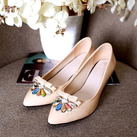 春夏新款时尚彩色水钻尖头单鞋 漆皮中跟舒适女鞋