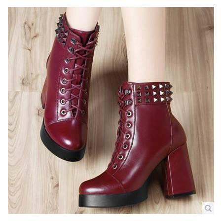 粗跟女鞋子 马丁靴子复古圆头高跟系带铆钉女靴 包邮0912