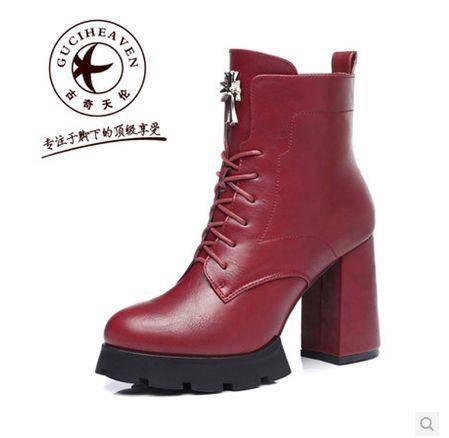 0时尚马丁靴 短筒短靴 休闲时装靴皮带扣秋冬女靴子 包邮
