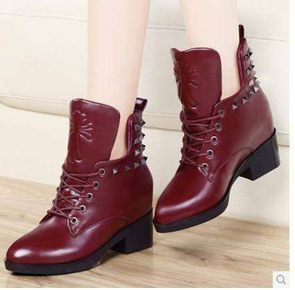 秋冬新款铆钉英伦短靴粗跟马丁靴中跟单靴包邮0912