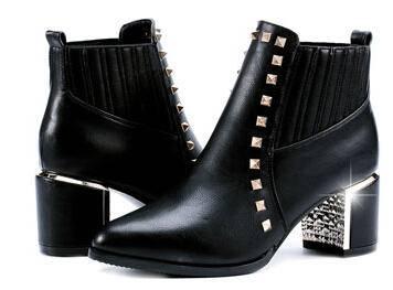 中跟柳钉女靴子粗跟女鞋 2014秋冬新款女鞋马丁靴女短靴女彩云
