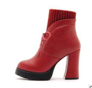 圆头粗跟毛线舒适英伦靴子冬季女靴包邮