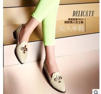 平底马蹄跟尖头女式单鞋2015新款女鞋包邮