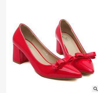 女漆皮蝴蝶结亮皮尖头浅口粗跟高跟鞋子潮春夏新款复古单鞋美高