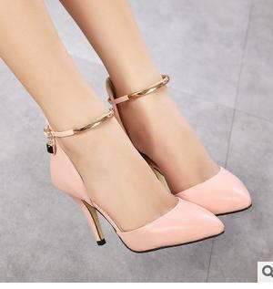 女金属装饰尖头凉鞋婚鞋潮2015春夏漆皮侧空一字带细跟超高跟单鞋美高