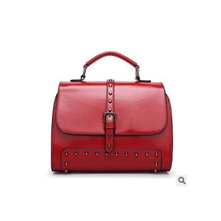 邮差手提包油蜡皮单肩斜跨小包包品牌春季新款铆钉包新安雅
