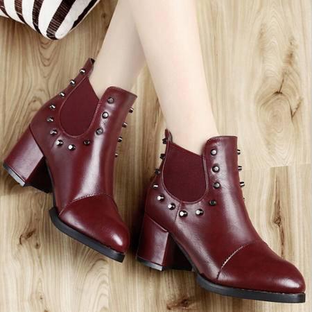 古奇天伦春季新款女靴裸靴欧美风时尚尖头粗跟铆钉短靴马丁靴