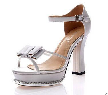 莱卡金顿 2015简约珍品女鞋子 夏季上市甜美花朵凉鞋 高跟鱼嘴鞋