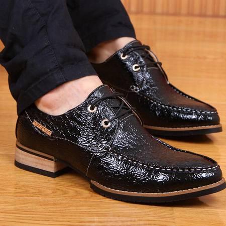 新款春季男式休闲鞋子时尚男鞋潮尖头鳄鱼皮品牌男士单鞋子