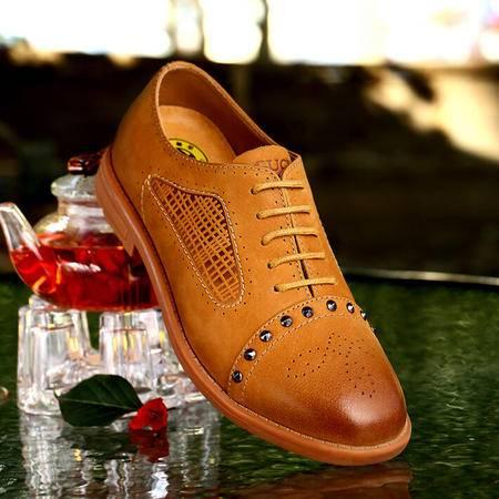 古奇天伦 秋季英伦时尚妈妈铆钉鞋低帮透气牛津鞋系带平跟女鞋