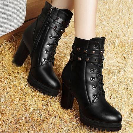 莫蕾蔻蕾时尚新款圆头粗跟铆钉女鞋短靴女款马丁靴