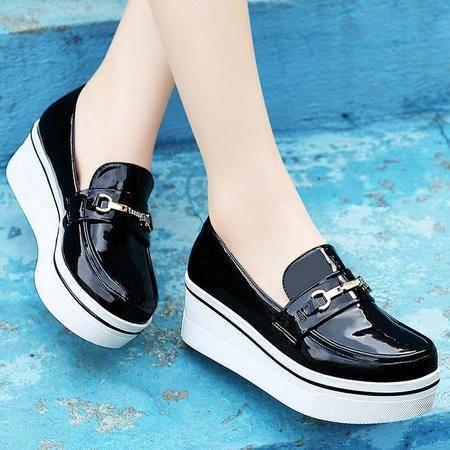 莫蕾蔻蕾 秋季新款厚底平底鞋金属装饰单鞋女休闲女鞋