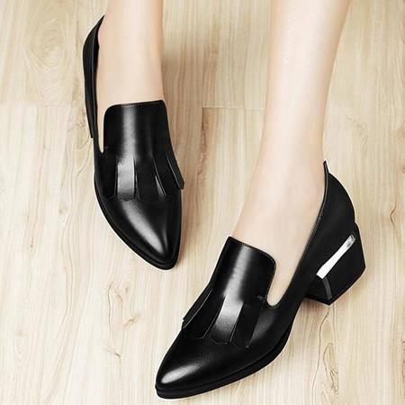 单鞋春季新款防水台粗跟尖头休闲鞋女流苏中跟浅口鞋子女