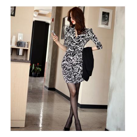 2016秋装新款 时尚v领修身性感包臀连衣裙显瘦韩版碎花时尚打底裙