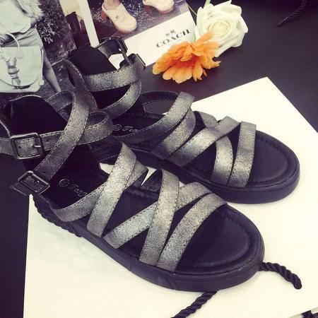 MR.BENYOU2015夏季新款铆钉平底凉鞋显瘦低跟罗马细带组合露趾后拉链凉女鞋 S2