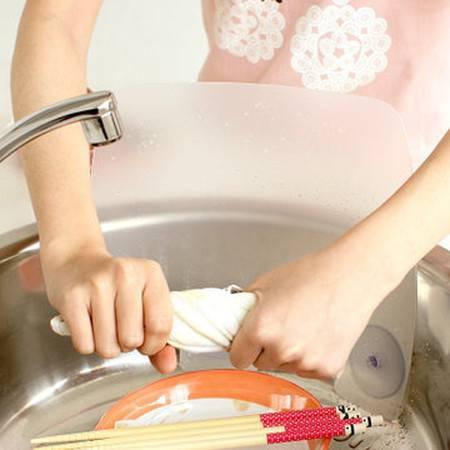 普润 日式创意厨房用品 透明磨砂水池防溅挡水板 吸盘水槽挡板