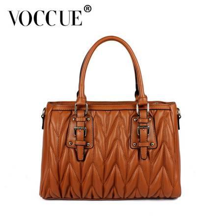 VOCCUE 时尚镶铆钉柳叶形绗缝牛皮手提包