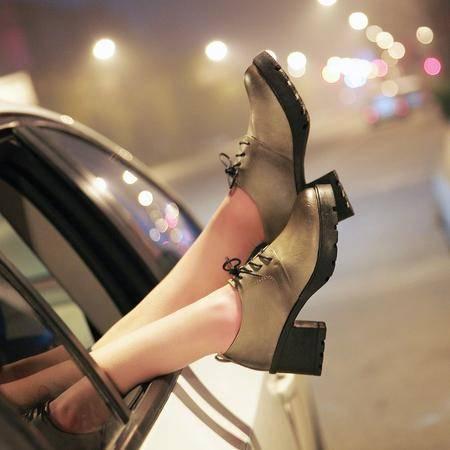 新款 高跟鞋粗跟拼色单鞋 秋冬系带时尚复古女单鞋