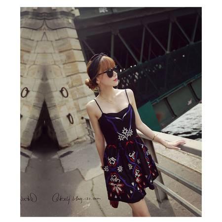 欧妮丝连衣裙 民族风定位刺绣图腾吊带连衣裙1098SMNZ