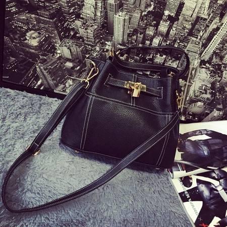 【预售】欧美时尚锁头手提单肩斜挎包潮女包水桶包【095】HCPJ