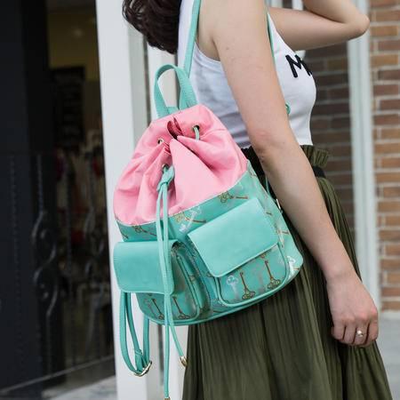 Mssefn 2014最新款 休闲抽绳韩版旅行双肩包时尚水桶包单肩包百搭背包女包A025