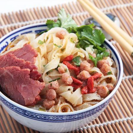 老刘头方便速食汤风味面条手擀面私房烧牛肉味4桶*110克多省包邮