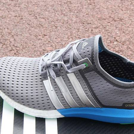 Adidas阿迪达斯夏季新款男女boost清风跑步鞋
