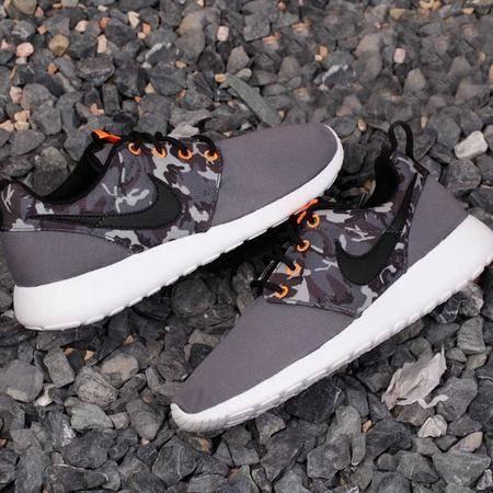 NIKE耐克 ROSHE RUN 男女夏季跑步鞋 休闲运动鞋677782-004