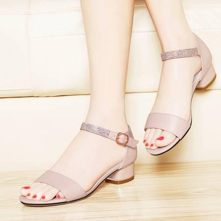 莱卡金顿6045夏季新款凉鞋女平底水钻一字扣粗跟露趾休闲罗马女鞋