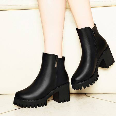 莱卡金顿 莱卡金顿6135秋冬新款圆头侧拉链女靴粗跟短靴防水台女鞋子高帮靴