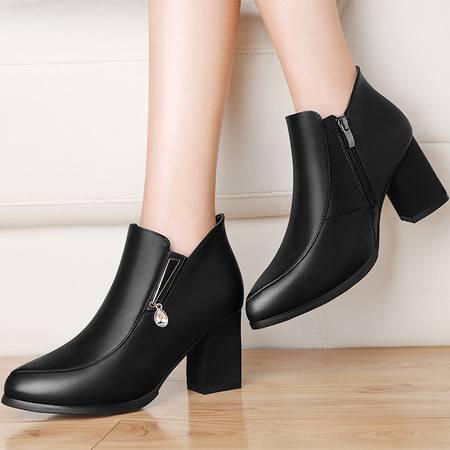 莱卡金顿 莱卡金顿6115秋冬新款圆头女靴粗跟短靴女高跟马丁靴防水台女鞋子