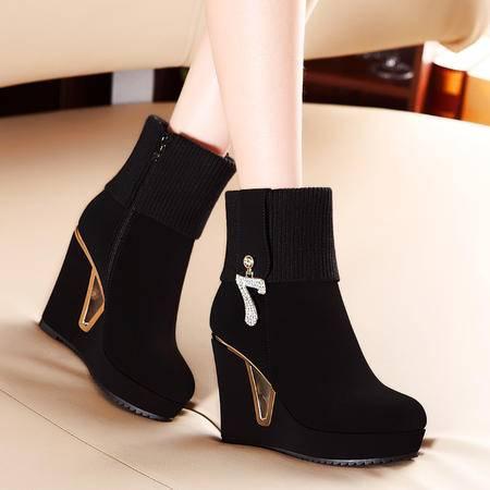 莫蕾蔻蕾冬季新款加绒短靴女欧洲站高跟时装靴防水台女靴坡跟靴子