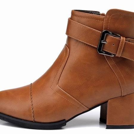 莱卡金顿春秋新款中跟尖头短靴牛皮尖头短筒软面时尚英伦女马丁靴
