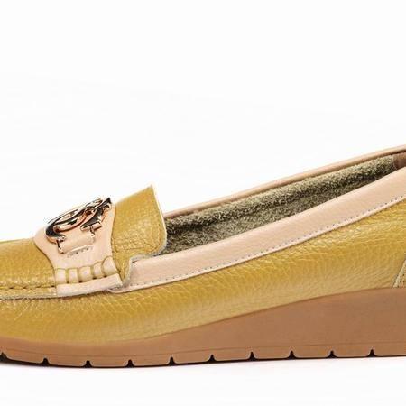 莱卡金顿冬款休闲简约坡跟鞋牛皮舒适护脚妈妈鞋女单鞋健步逛街鞋