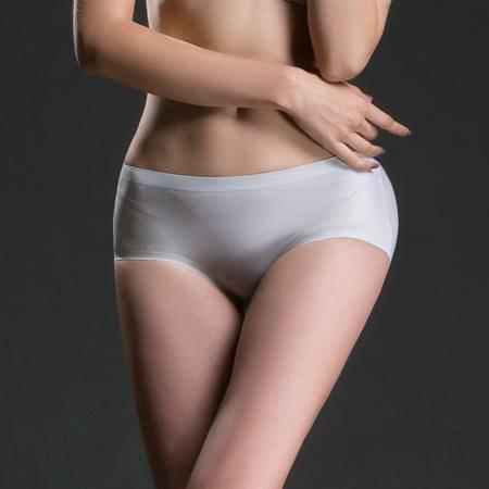 爱の优体一片式无痕内裤中腰薄款短裤三角裤 魔幻杯文胸配套内裤