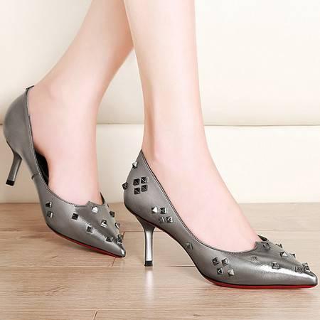 施悦名时尚女鞋细跟尖头铆钉帅气单鞋女