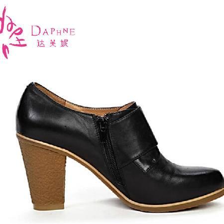 【限量特惠】达芙妮专柜正品 秋季新款英伦粗跟头层牛皮女高跟单鞋